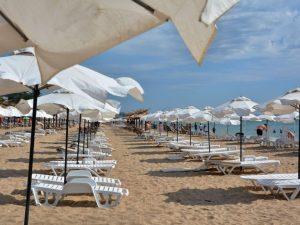Пандемията срина туризма: 70% спад на чуждите туристи през лятото, 30% на българските